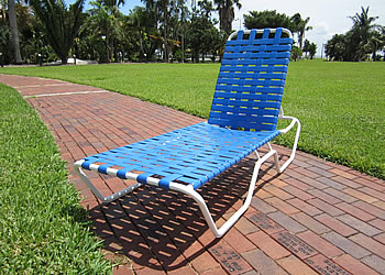 C120B criss cross strap chaise lounge