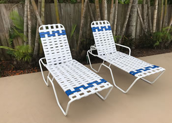 C160B white and blue pool lounge