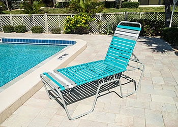 C200 20-inch seat height outdoor lounger