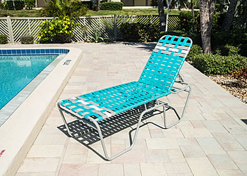 C200B woven strap chaise lounge with high seat