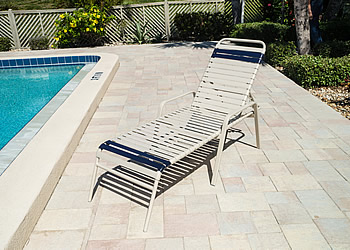 R165 aluminum lounge chair for poolside